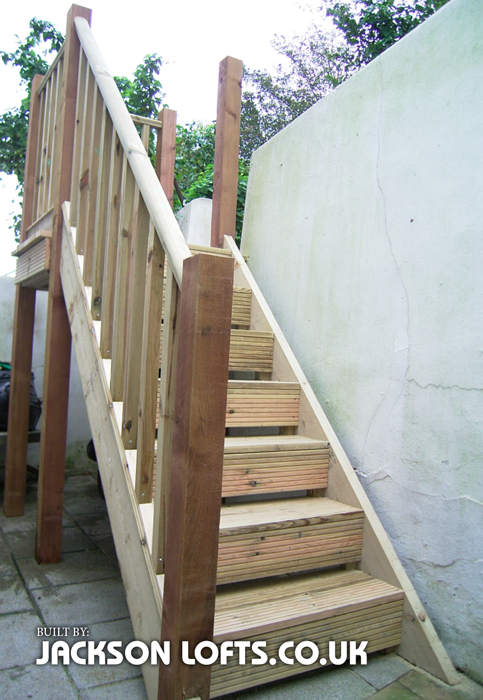 Garden wooden staircase by Jackson Lofts Carpentry